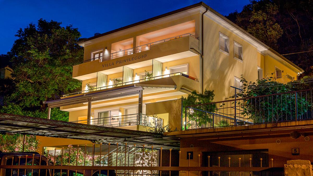 Hotel Villa Privilegio am Abend