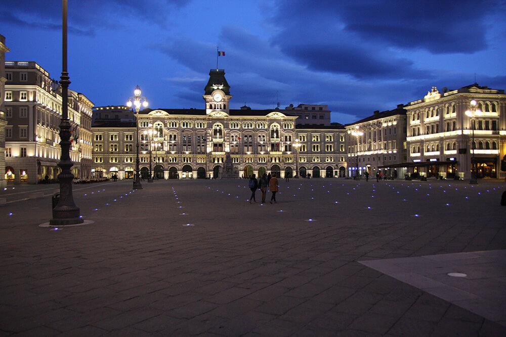 Trieste bei Nacht